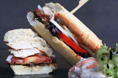 ¿Te apetece un almuerzo diferente Prueba nuestros bocadillos y sandwiches.